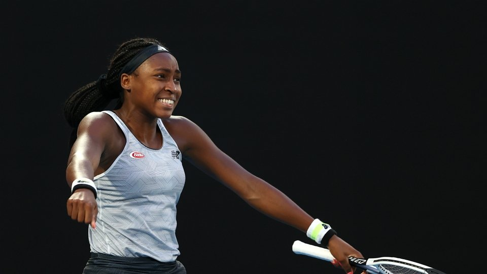 comment what pakistanis can learn from 15 year old coco gauff