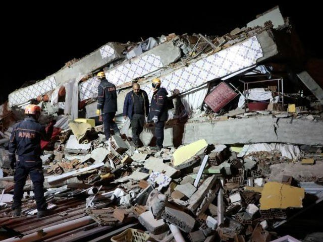 pakistan offers help to quake hit turkey