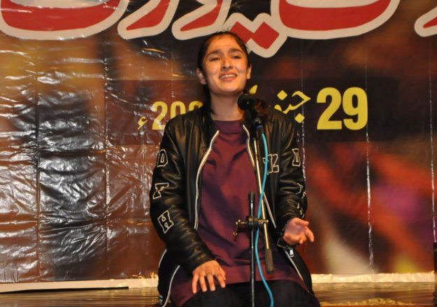 15 aspirants make it to alhamra s folk music competition final