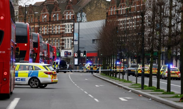 man shot by police after terrorist related london stabbing