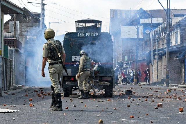 no country has right to decide fate of kashmiris