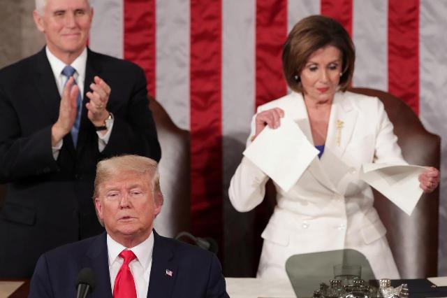 trump spurns pelosi handshake she tears up his speech