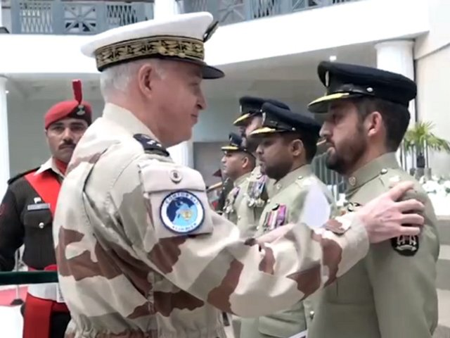 four-army-aviation-pilots-conferred-national-defence-bronze-medal-for-the-daring-mission-on-nanga-parbat-in-2018-screengrab-ispr