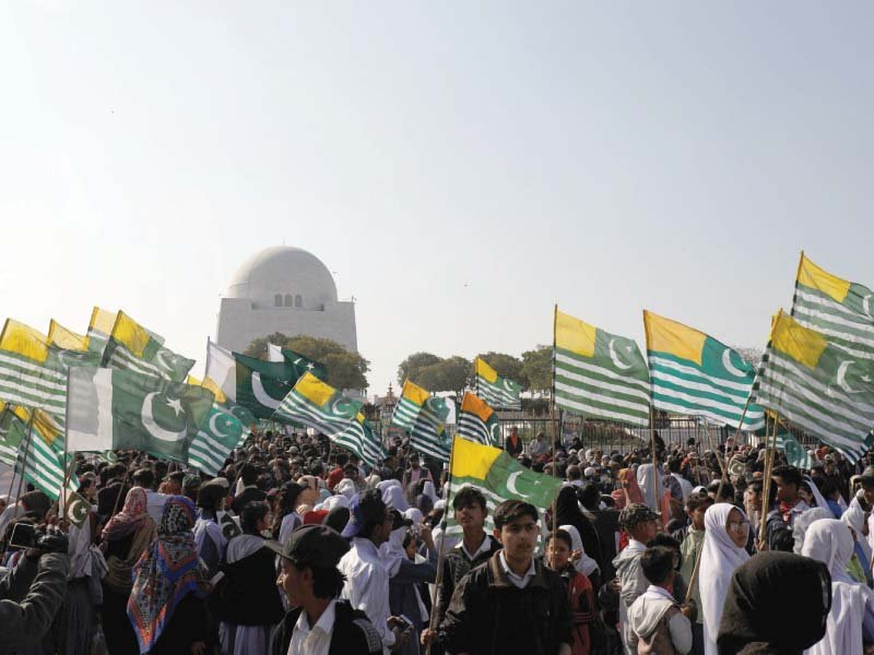 sindh turns out to express solidarity with kashmir