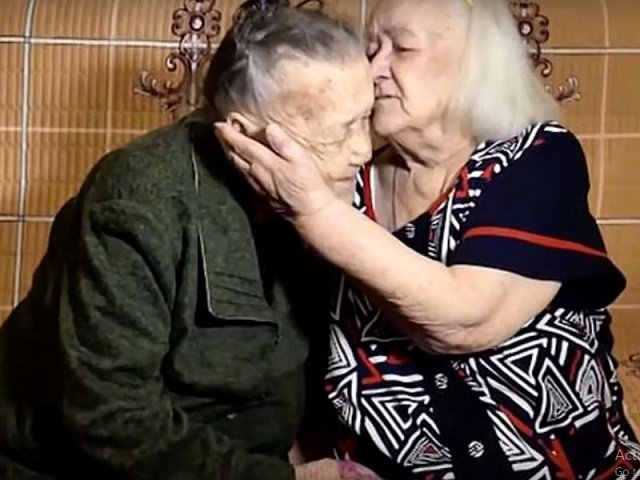 watch sisters separated during second world war reunited after 78 years