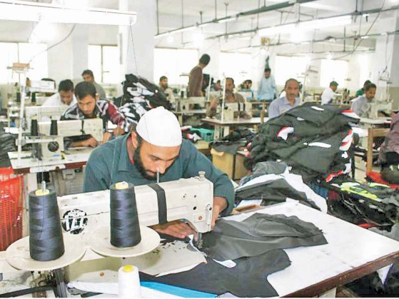 ismail said businesses in textile export sector diversified by introducing health related merchandise photo file