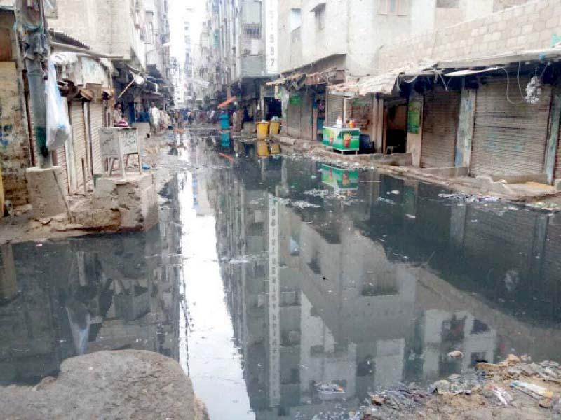 sewage enters water pipeline in aabpara