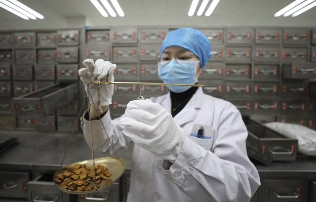 traditional chinese medicine offers cure amid fight against coronavirus