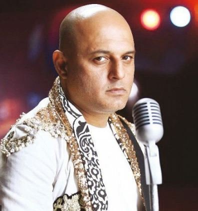 ali azmat lashes out at psl management for cutting his performance short