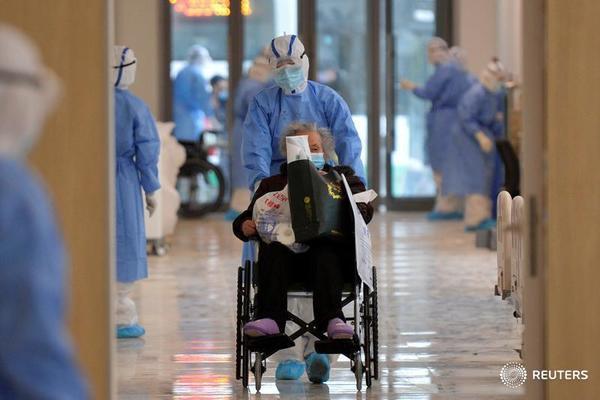 china to build 19 more makeshift hospitals amid coronavirus outbreak