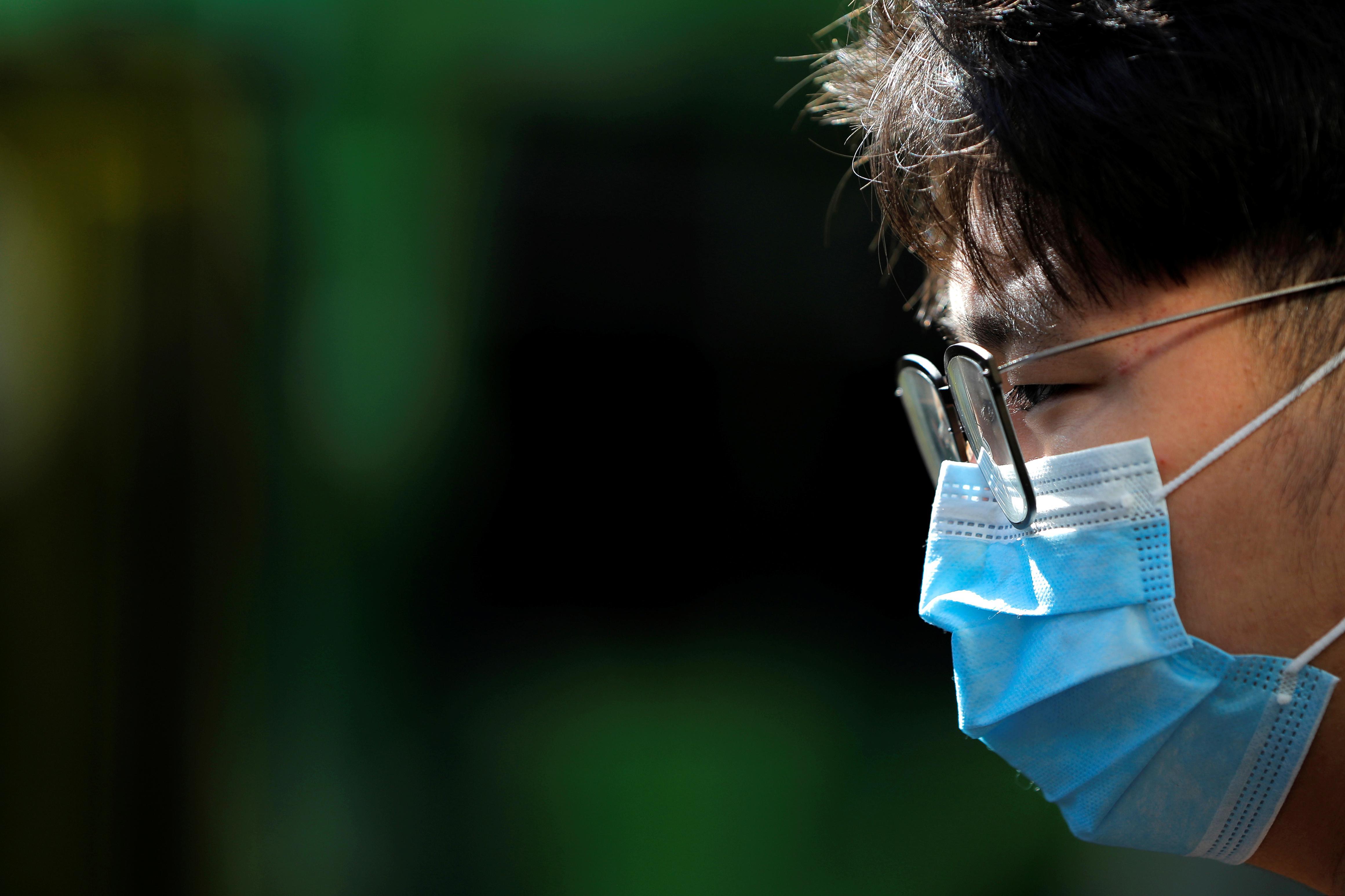 two new uk coronavirus cases linked to italy tenerife