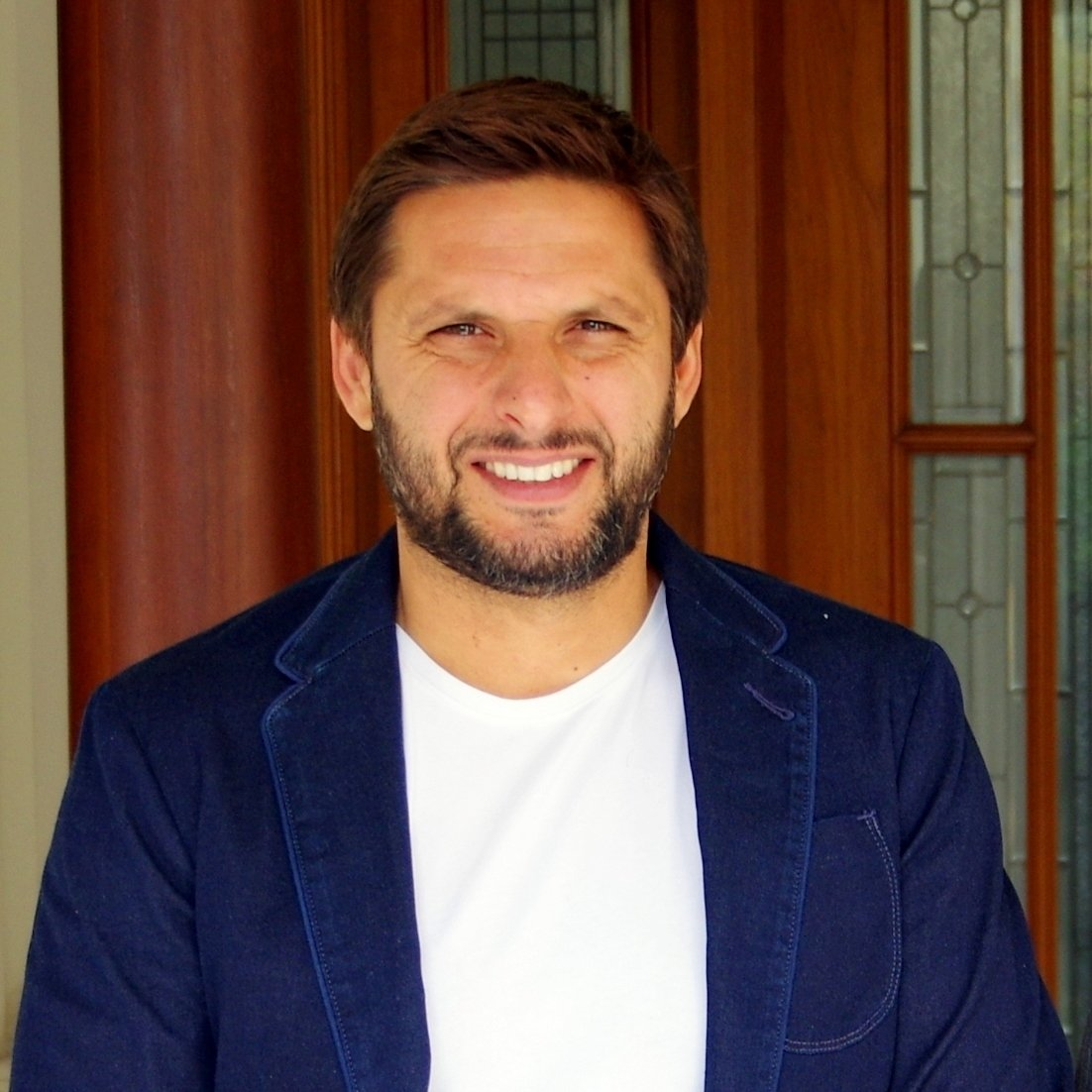 shahid afridi pledges support for differently abled athlete