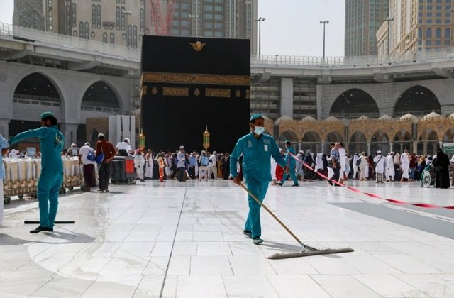 after banning umrah pilgrimage saudi arabia restricts entry for gcc citizens