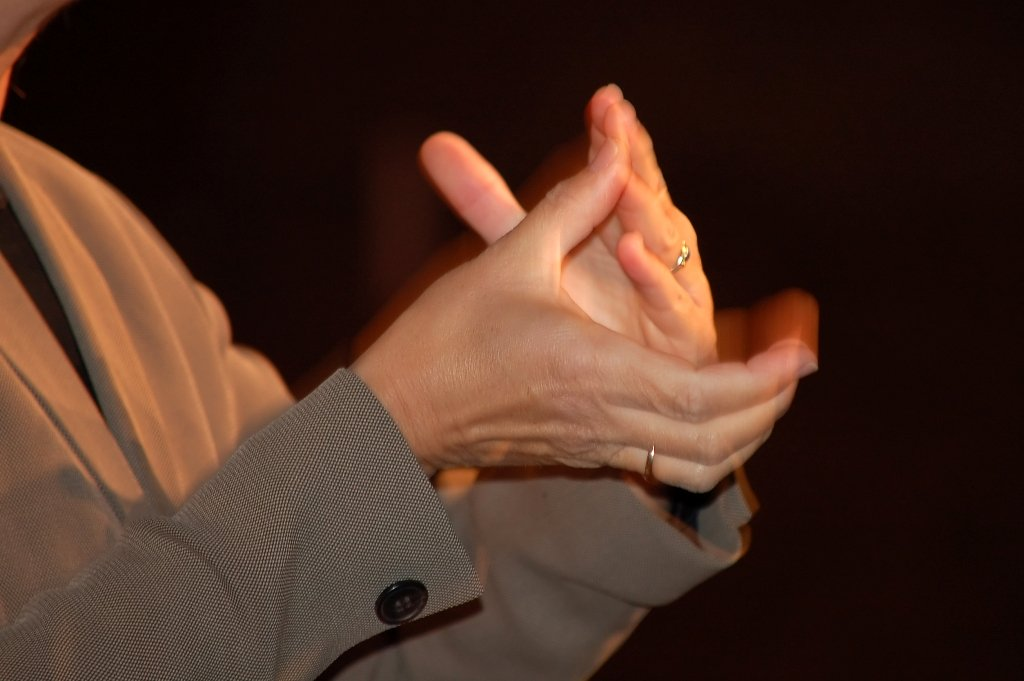 unified sign language for hearing impaired