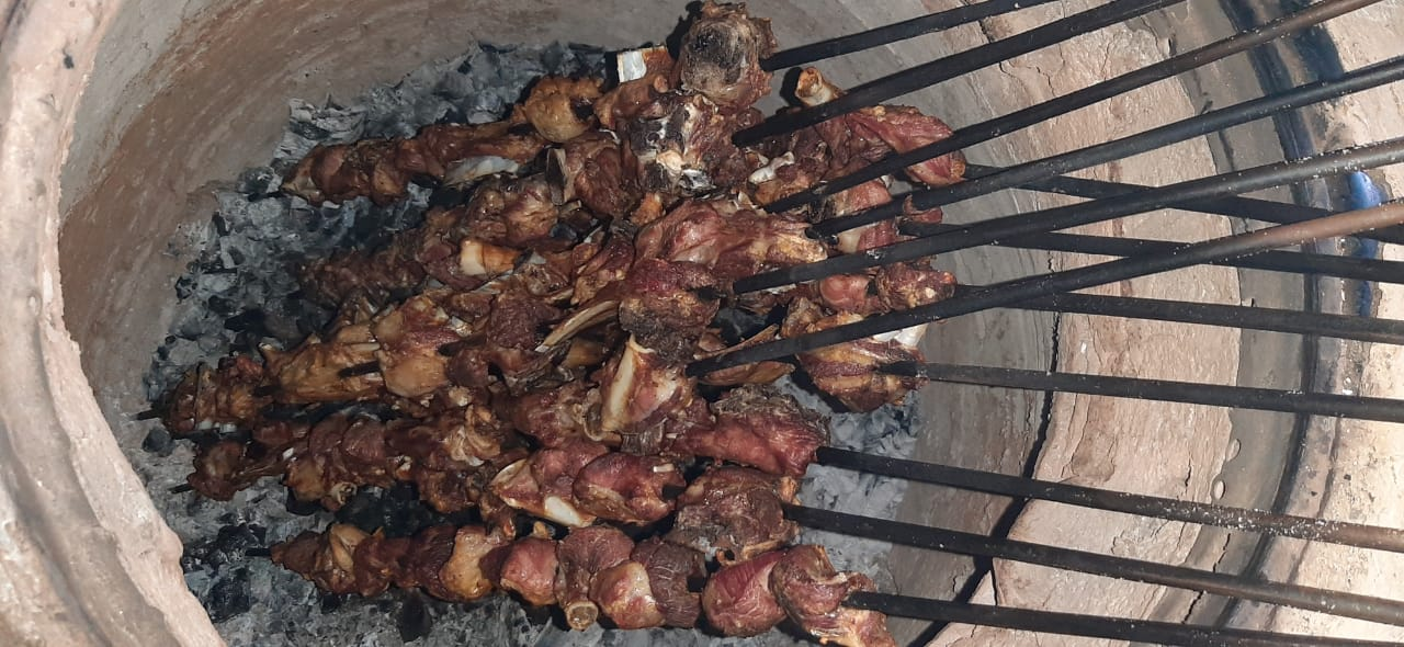 the scrumptious and famous thal tandoori mutton