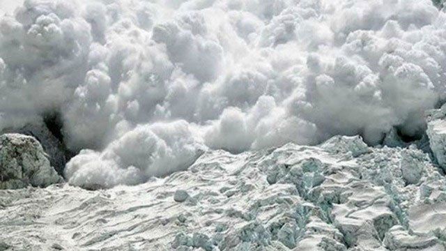 avalanche in k p leaves three dead 30 injured