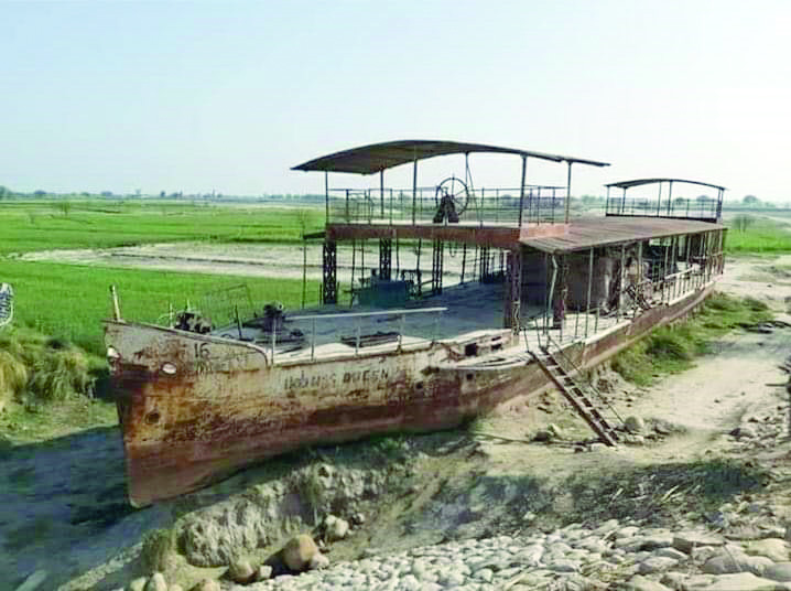historic indus ship in dilapidated condition
