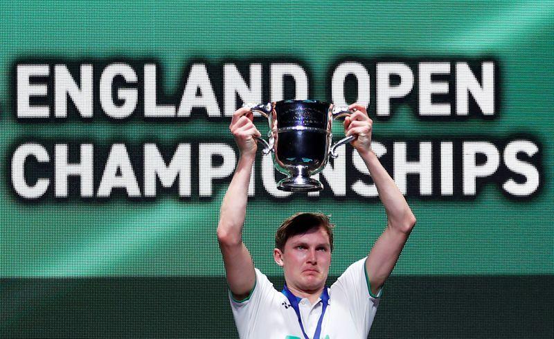 denmark s axelsen wins all england title before shutdown