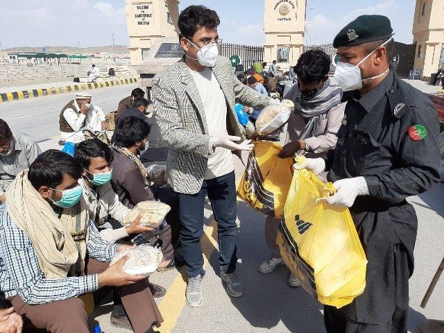 247 pilgrims from taftan border reach dg khan