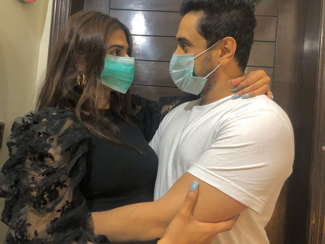hira mani gets slammed for cuddling up to husband amid covid 19
