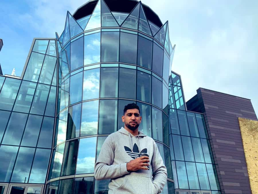 amir khan offers an entire building to facilitate covid19 patients