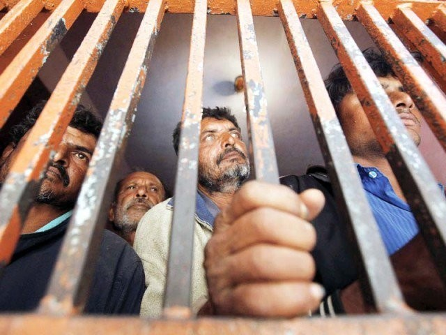 over 400 prisoners transferred from karachi