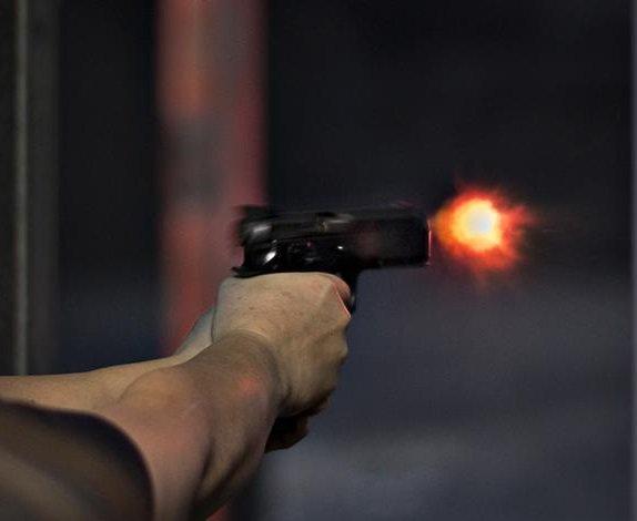 policeman guns down pregnant woman sister in sanghar