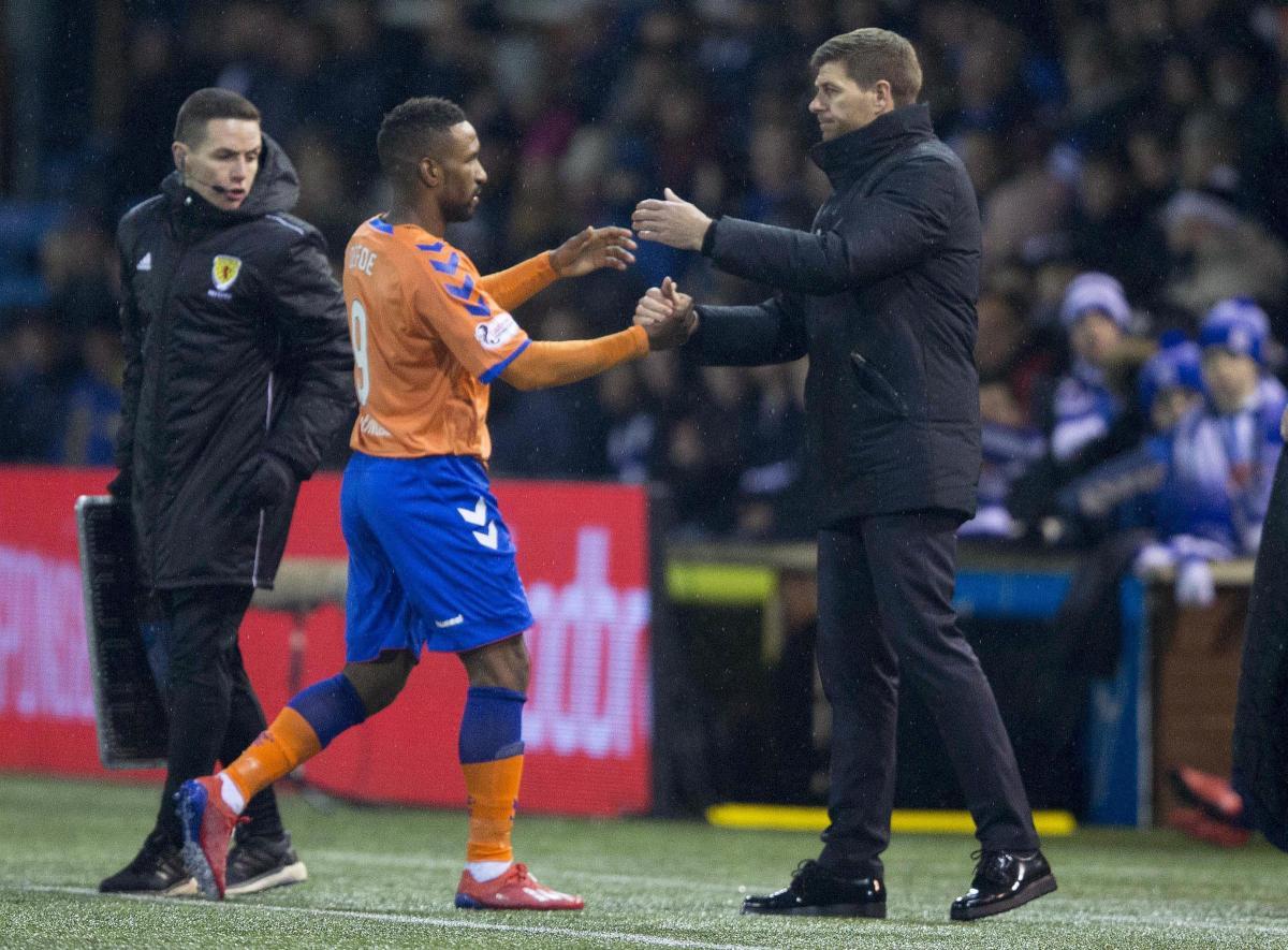 defoe backs gerrard to become top manager