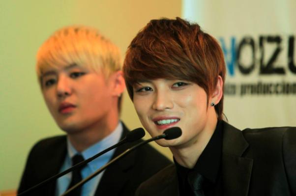 k pop star pranked his fans that he has coronavirus