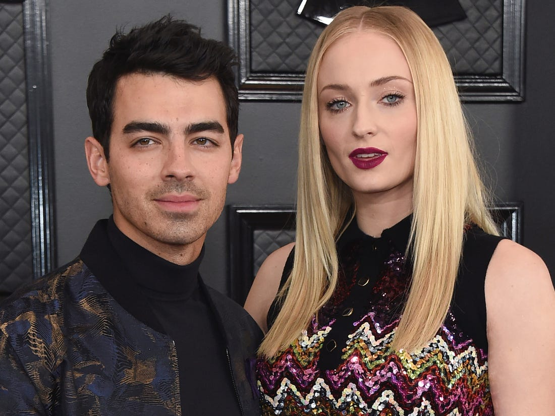 sophie turner muses that she won t get divorced from joe jonas during quarantine