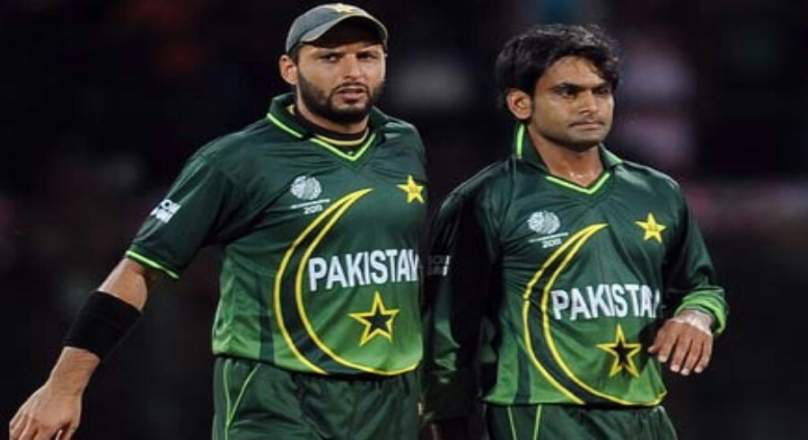 afridi backs hafeez in debate over tainted players return to cricket