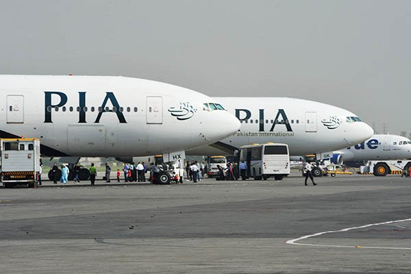 pia pilots refuse to fly back pakistanis stranded in iraq after colleagues contract virus