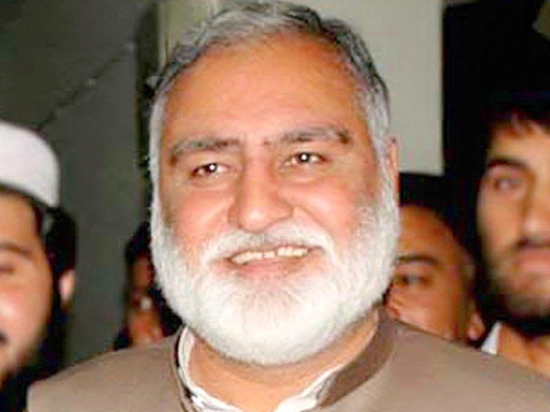 nab withdraws arrest warrants against jui f leader akram khan durrani
