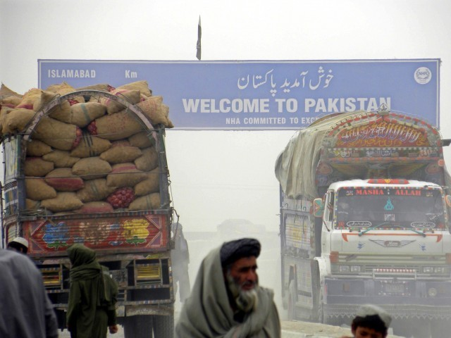 pakistan allows cargo trucks to cross over into afghanistan thrice a week