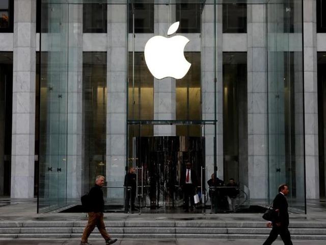 apple google plan software to slow virus joining global debate on tracking
