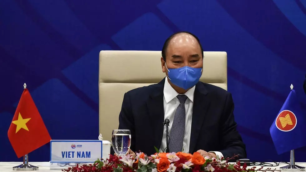 vietnam 039 s prime minister nguyen xuan phuc waits for the start of the asean meeting photo afp