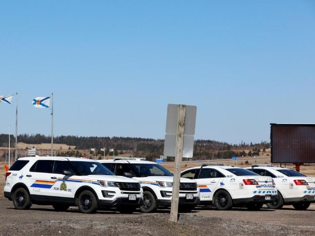royal canadian mounted police rcmp monitor the transcanada highway while searching for gabriel wortman who they describe as a shooter of multiple victims near fort lawrence nova scotia canada photo reuters