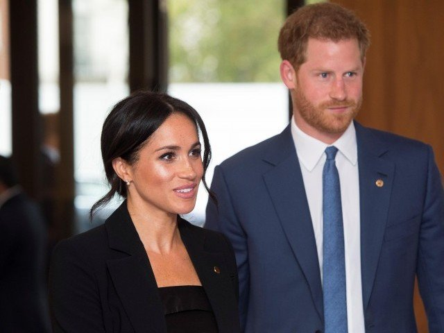 prince harry begged father in law to call him before wedding document shows