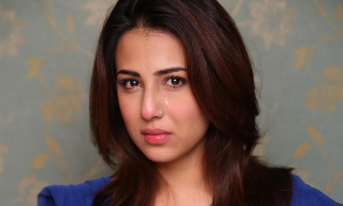 ushna shah makes appeal to save stray dogs in emotional video