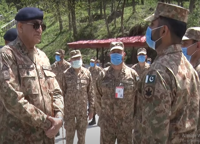 indian provocations are threat to regional peace and stability says gen qamar while visiting forward troops along loc screengrab
