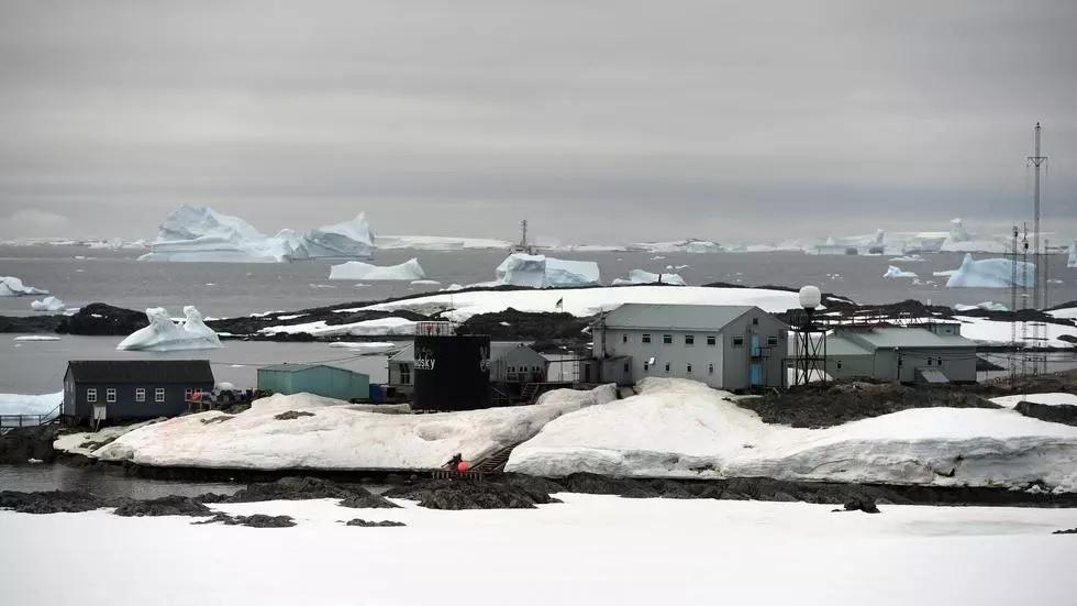 ukraine scientists navigate lockdown to reach antarctica