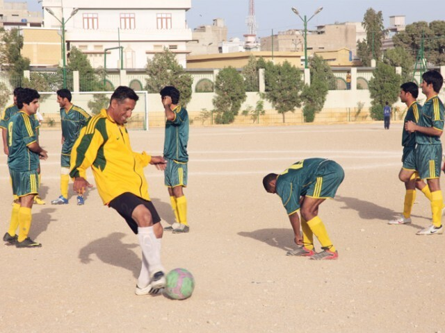 athletes stop play to contain covid 19 in lyari