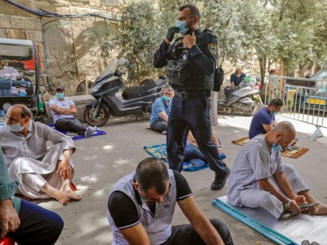 jerusalem s al aqsa mosque to reopen after eid holiday