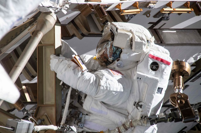 this image made available by nasa shows astronaut anne mcclain working on march 22 2019 on the international space station 039 s port 4 truss structure during a six hour 39 minute spacewalk to upgrade the orbital complex 039 s power storage capacity photo afp