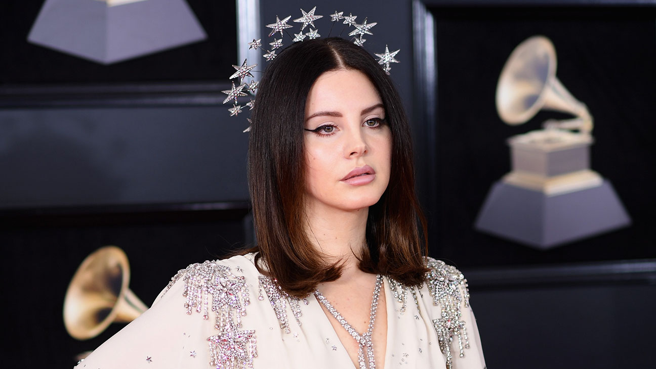 lana del rey shuns criticism of glamourising abuse