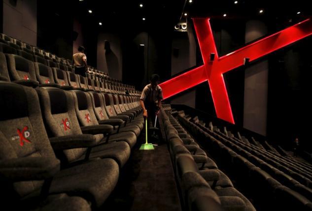pakistan s cinema industry in dire straits before eid