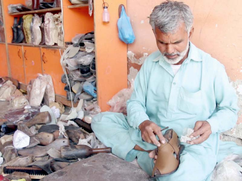 traditional shoes reclaim market share on eid