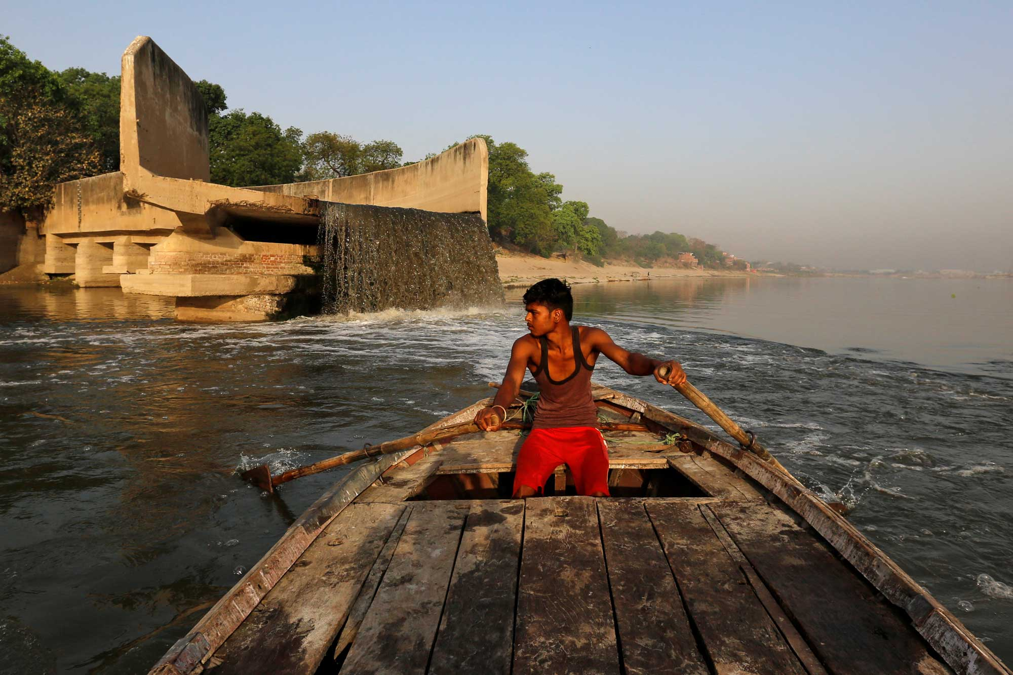 river erosion threatens jehlum villages