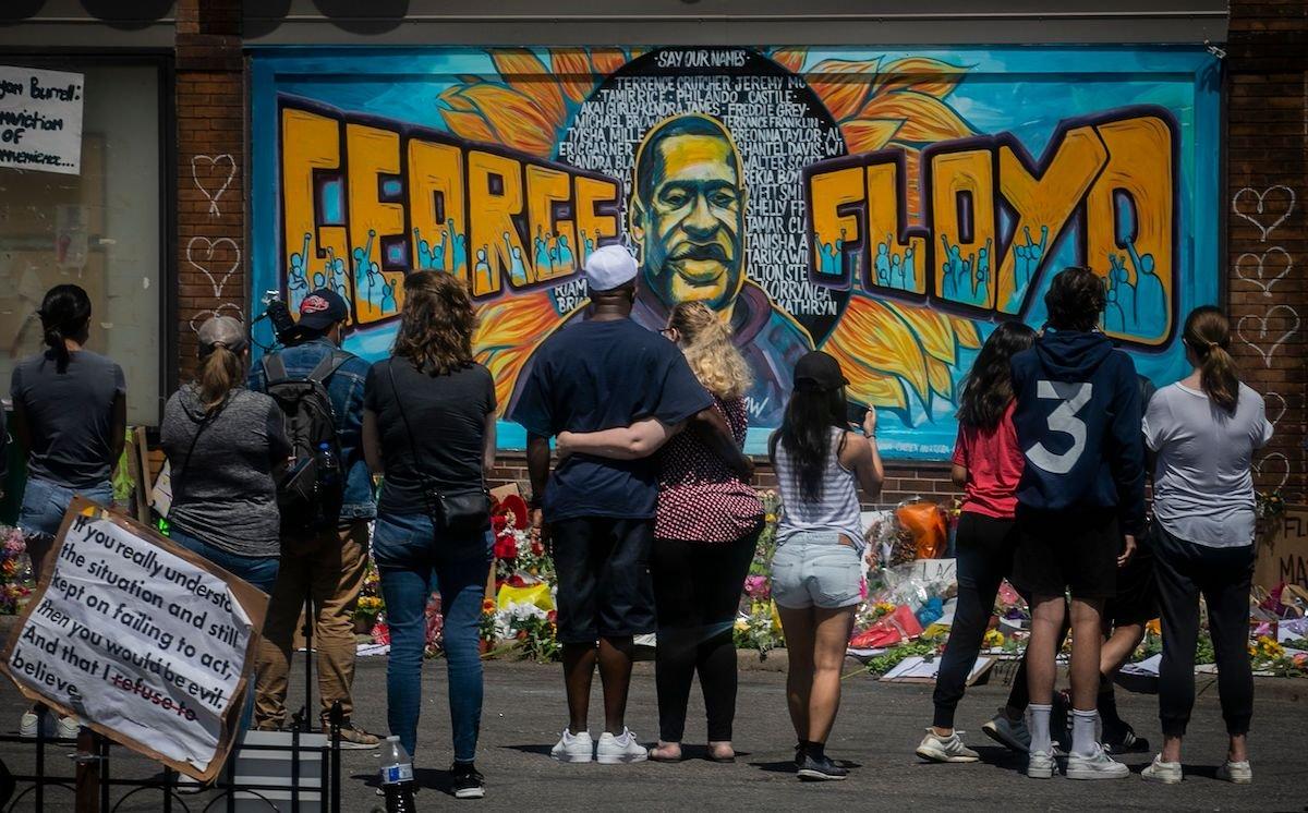 george floyd s murals embellish walls around the world