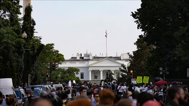 People continue to protest over the death of George Floyd on June 4, 2020 at Lafayette Square near White House in Washington, DC, United States. Photo: Anadolu Agency